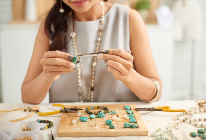 What Should You Do With Jewelry That Doesn't Sell?
